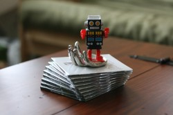 This is a robot in a disembodied silver hand. Photo by Marian.